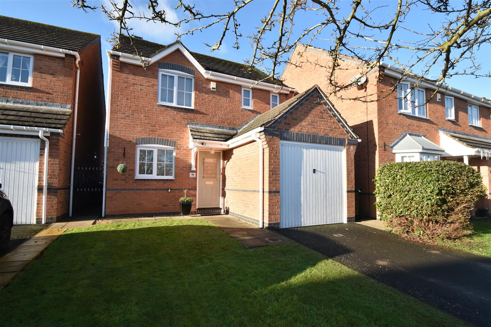 3 Bedrooms Detached House for sale in Showell Green, Droitwich